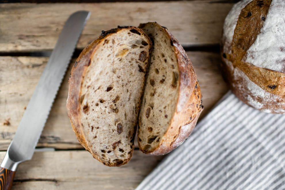 pain vedette, miche raisin cannelle muscade, livraison a domicile, boulangerie arhoma, meilleur pain, boulangerie montréal
