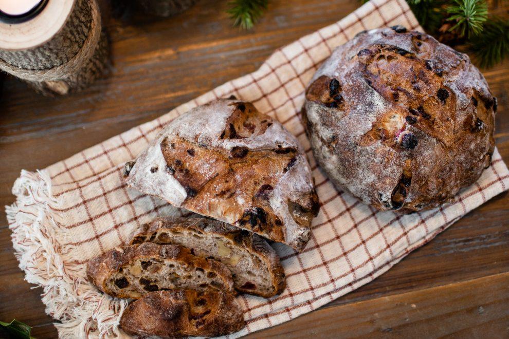 recette pain, boulangerie montréal, meilleur pain, boulangerie arhoma, pain sur poolish, recette, pain de noel, pain aux noix, boulanger, boulange montréal, paix aux fruits