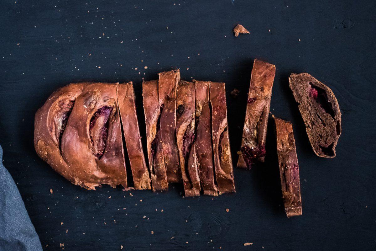 Arhoma bûche cacao chocolat blanc framboises